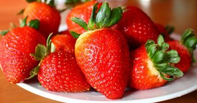 Børnedrink med jordbærsaft